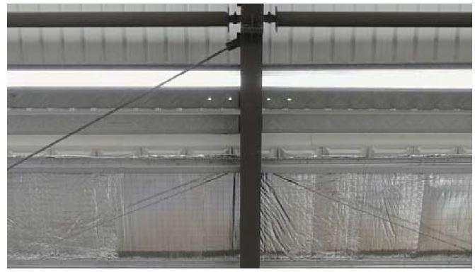 2) Kết cấu phải có đủ độ chịu lực để lắp đặt một cách an toàn và chắc chắn. Đo chiều cao lắp đặt và đánh giá khoảng cách an toàn (hơn 500mm) giữa các cánh quạt, tòa nhà và đèn sau khi lắp đặt.